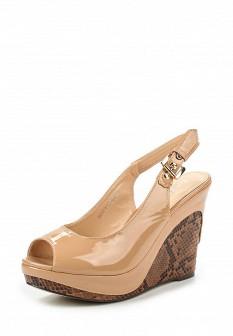 Женские бежевые лаковые босоножки на каблуке на платформе