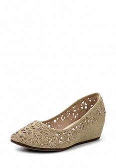 Женские бежевые осенние туфли на каблуке