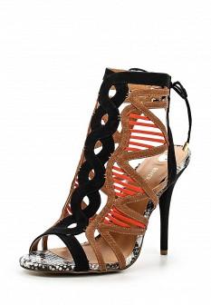 Женские кожаные босоножки на каблуке