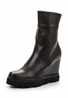 Женские коричневые итальянские осенние сапоги на каблуке