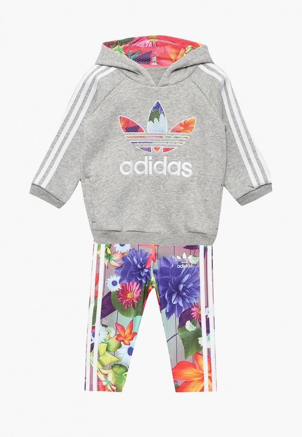 Костюм спортивный adidas OriginalsКостюм спортивный adidas Originals. Цвет: мультиколор, серый. Сезон: Весна-лето 2018. С бесплатной доставкой и примеркой на Lamoda.<br><br>Цвет: мультиколор, серый<br>Коллекция: Весна-лето 2018<br>Сезонность: мульти<br>Страна-изготовитель: Вьетнам<br>Пол: girls