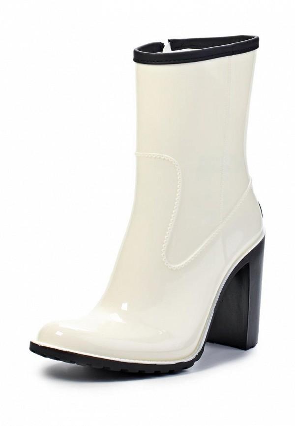 Женские белые осенние сапоги на каблуке