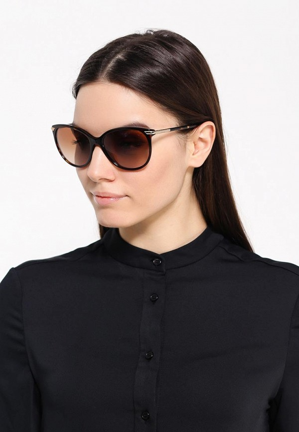 Женские солнцезащитные очки Burberry 0BE4186: изображение 6
