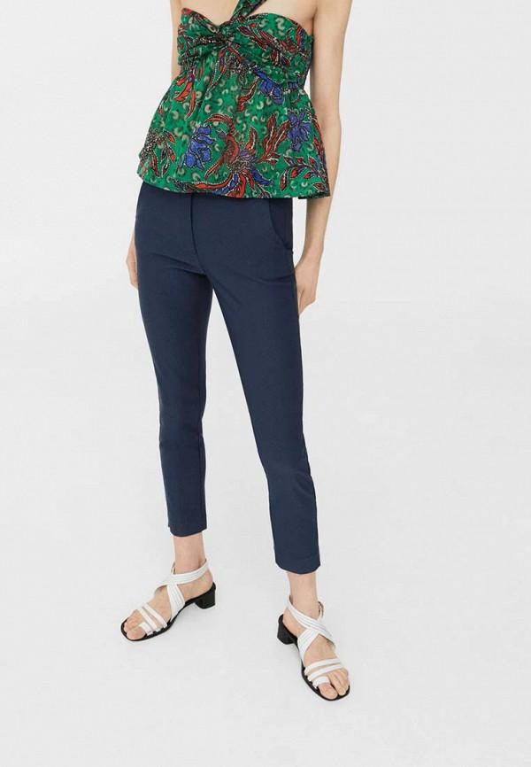 Фото - женские брюки Mango синего цвета