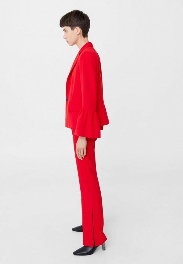 Фото - женский пиджак Mango красного цвета