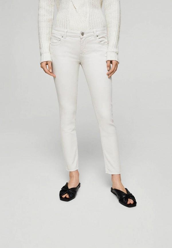 Фото - женские джинсы Mango бежевого цвета