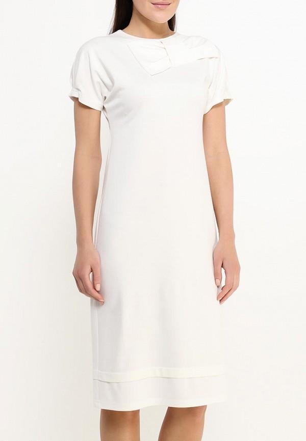 Фото 3 - женское платье MadaM T белого цвета