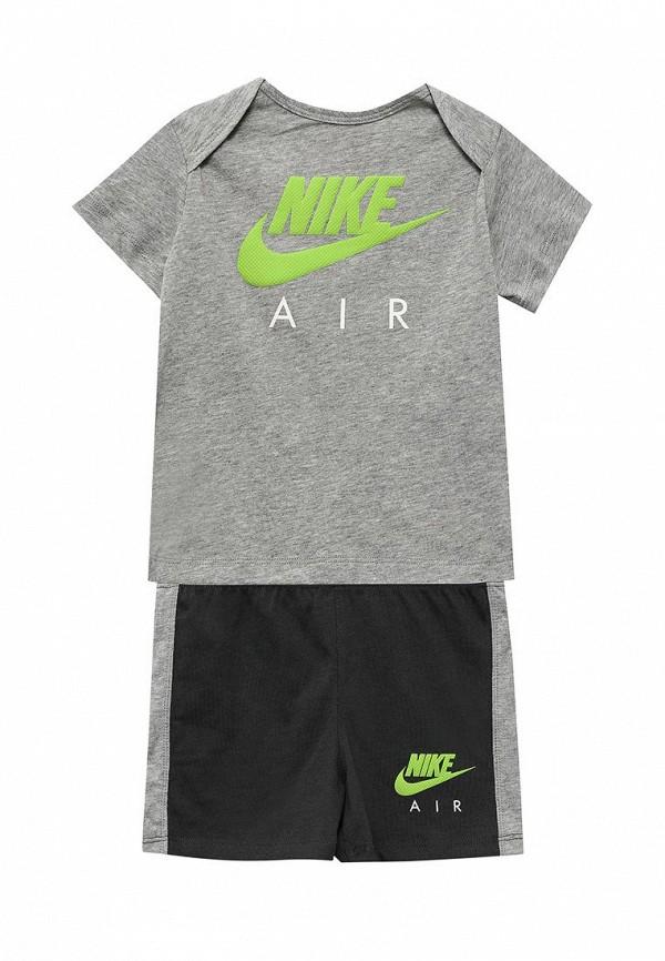 Спортивный костюм Nike (Найк) 815595-064