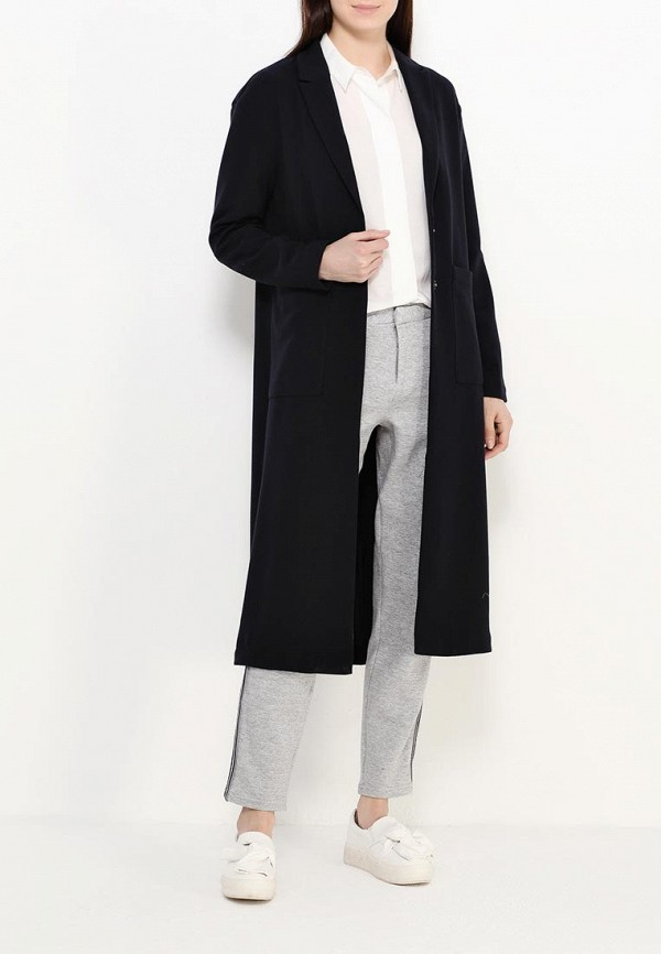 Фото 2 - женское пальто или плащ Only синего цвета