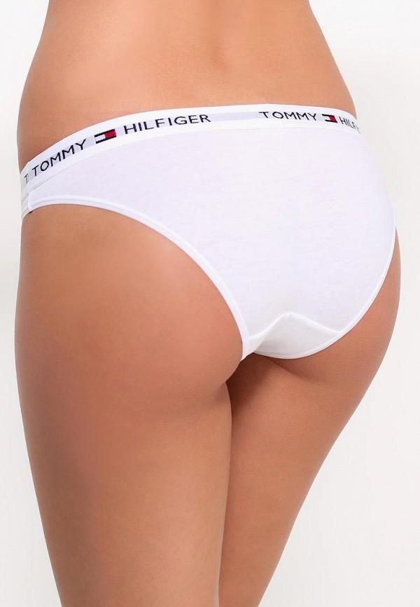 Фото 8 - женские трусы Tommy Hilfiger белого цвета