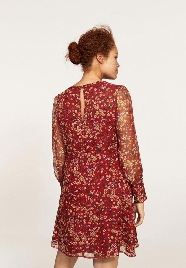 Фото 2 - женское платье Violeta by Mango бордового цвета