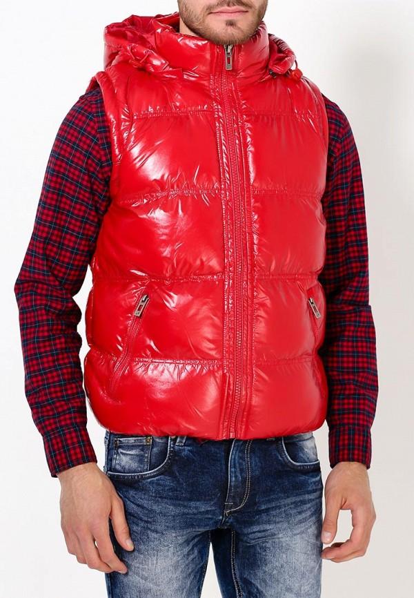 Фото 3 - Жилет утепленный Young & Rich красного цвета