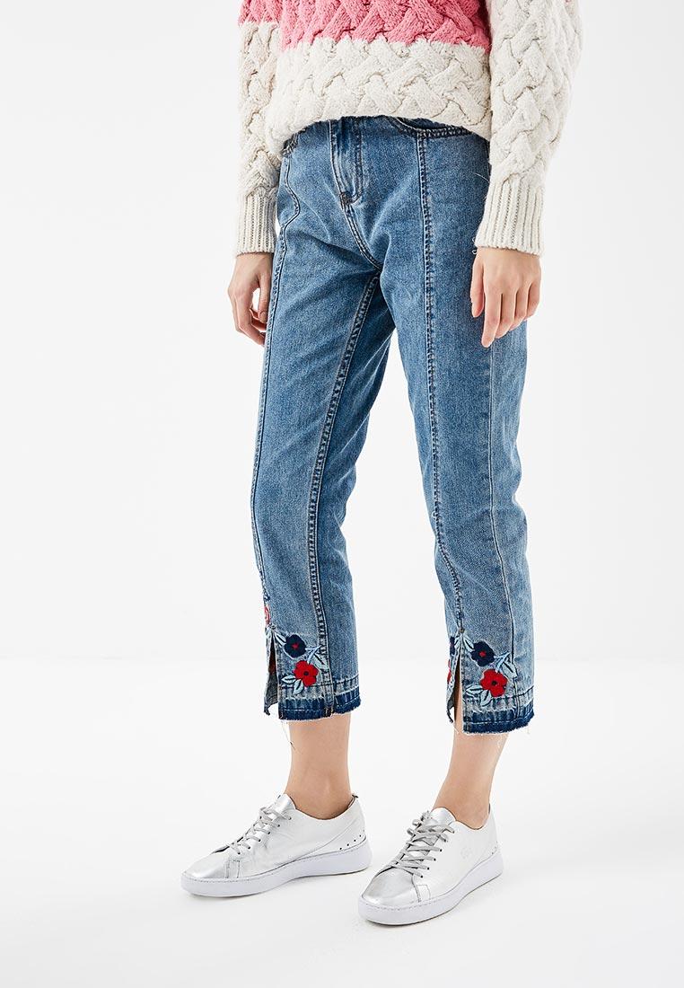 Прямые джинсы Desigual (Дезигуаль) 18SWDD08