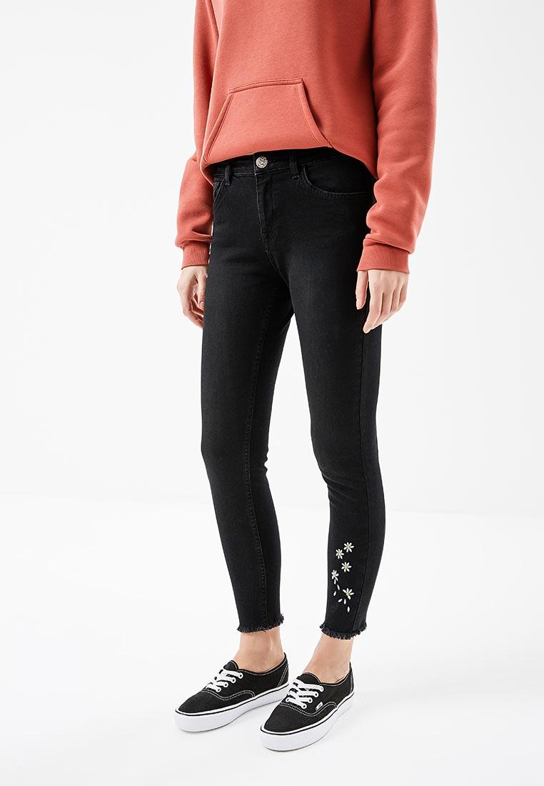 Зауженные джинсы Desigual (Дезигуаль) 18SWDD17