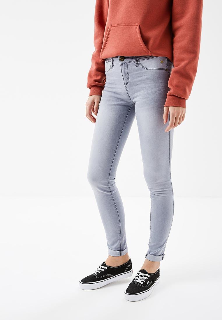 Зауженные джинсы Desigual (Дезигуаль) 18SWDD61