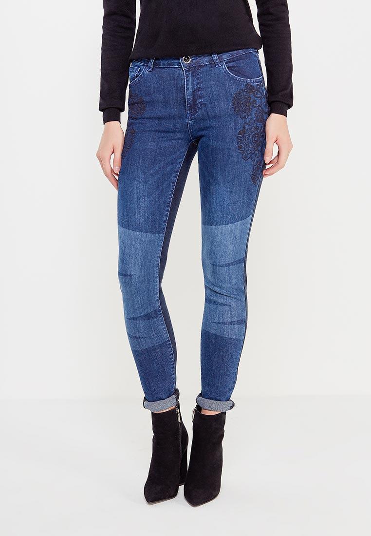 Зауженные джинсы Desigual (Дезигуаль) 17WWDD26