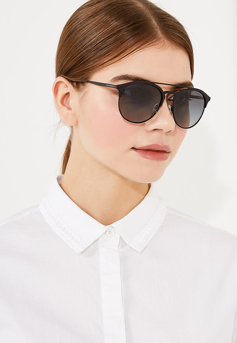 Женские солнцезащитные очки Emporio Armani 0EA2052