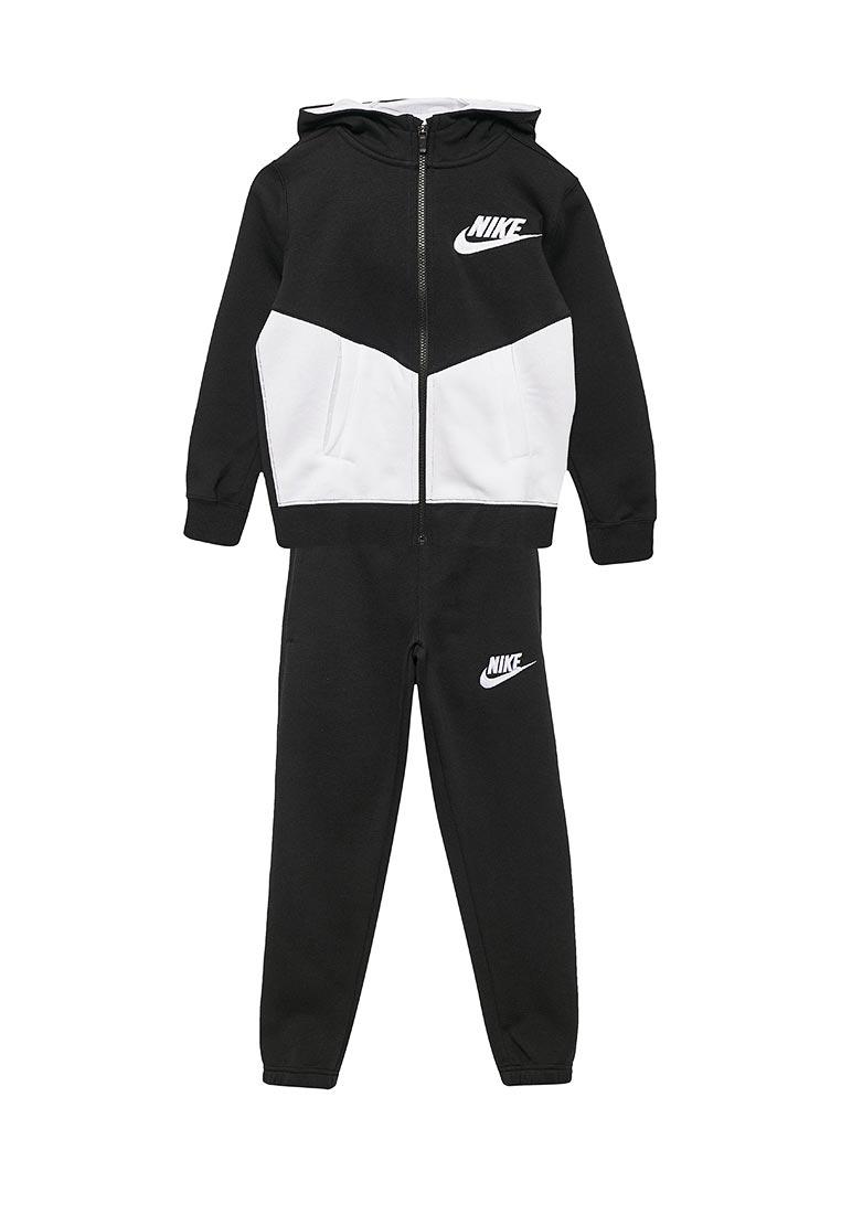 Спортивный костюм Nike (Найк) 856205-011