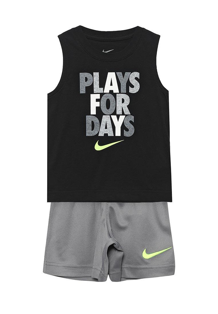 Спортивный костюм Nike (Найк) 76C980-479