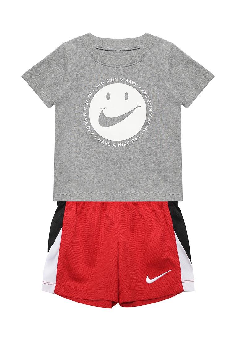 Спортивный костюм Nike (Найк) 66C995-042