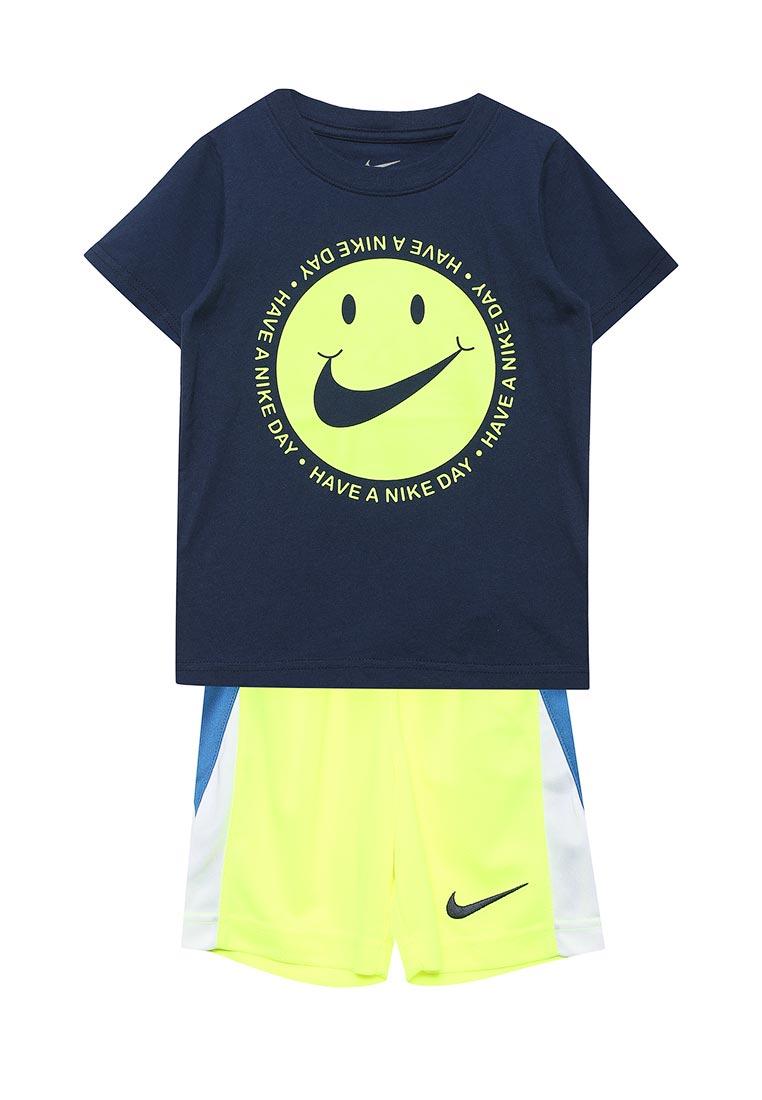 Спортивный костюм Nike (Найк) 86C995-U5T