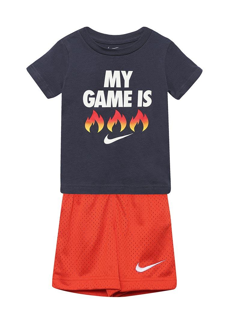 Спортивный костюм Nike (Найк) 76D145-R4Y