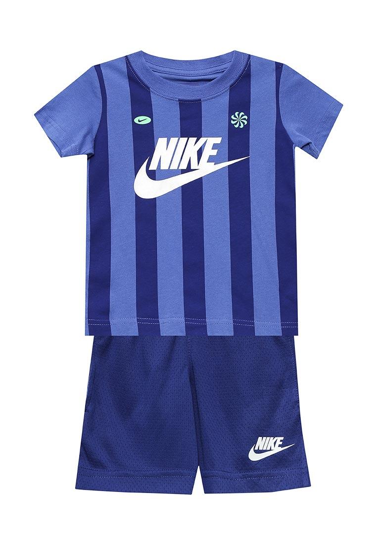 Спортивный костюм Nike (Найк) 76B932-U1A