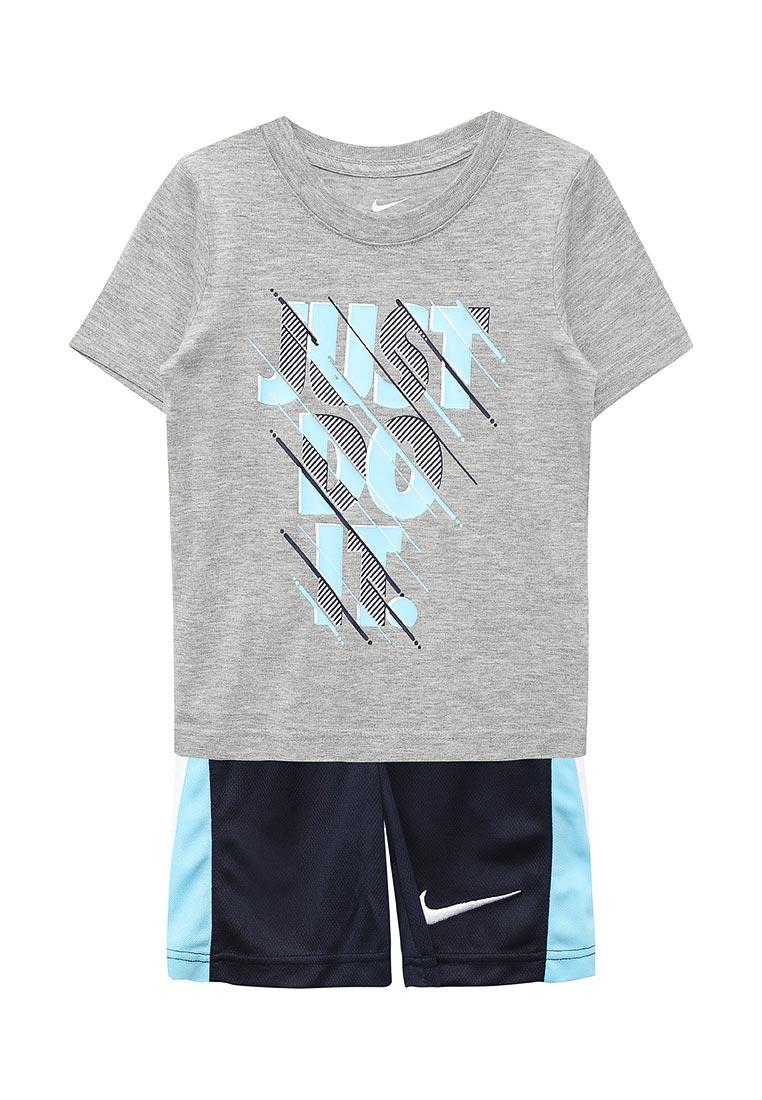 Спортивный костюм Nike (Найк) 86C298-042
