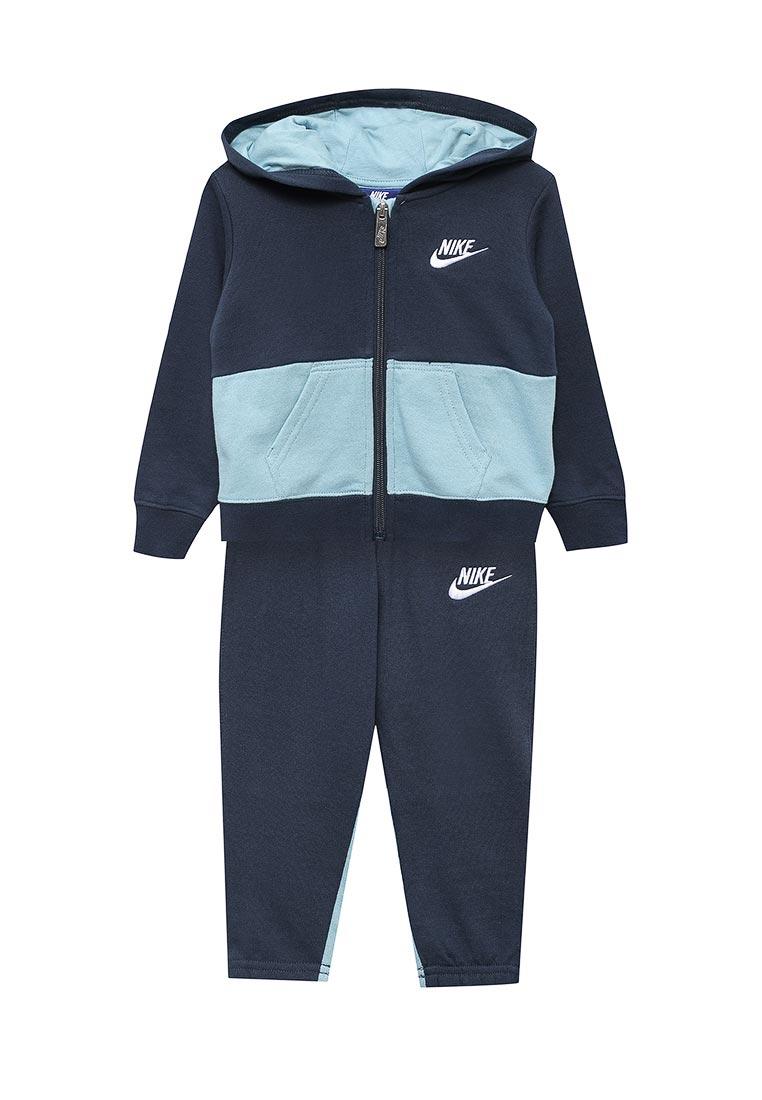 Спортивный костюм Nike (Найк) 66C001-B1B