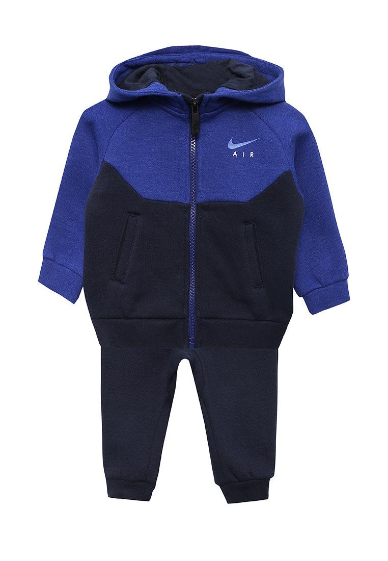 Спортивный костюм Nike (Найк) 66C002-695