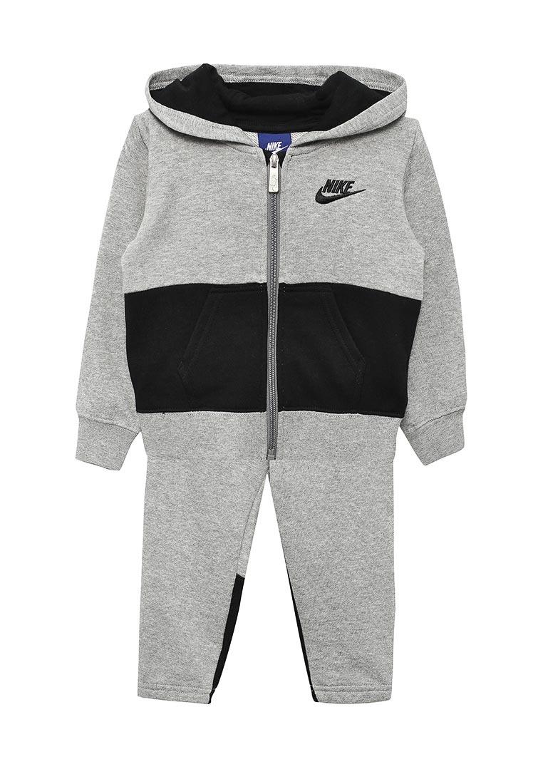 Спортивный костюм Nike (Найк) 76C001-042
