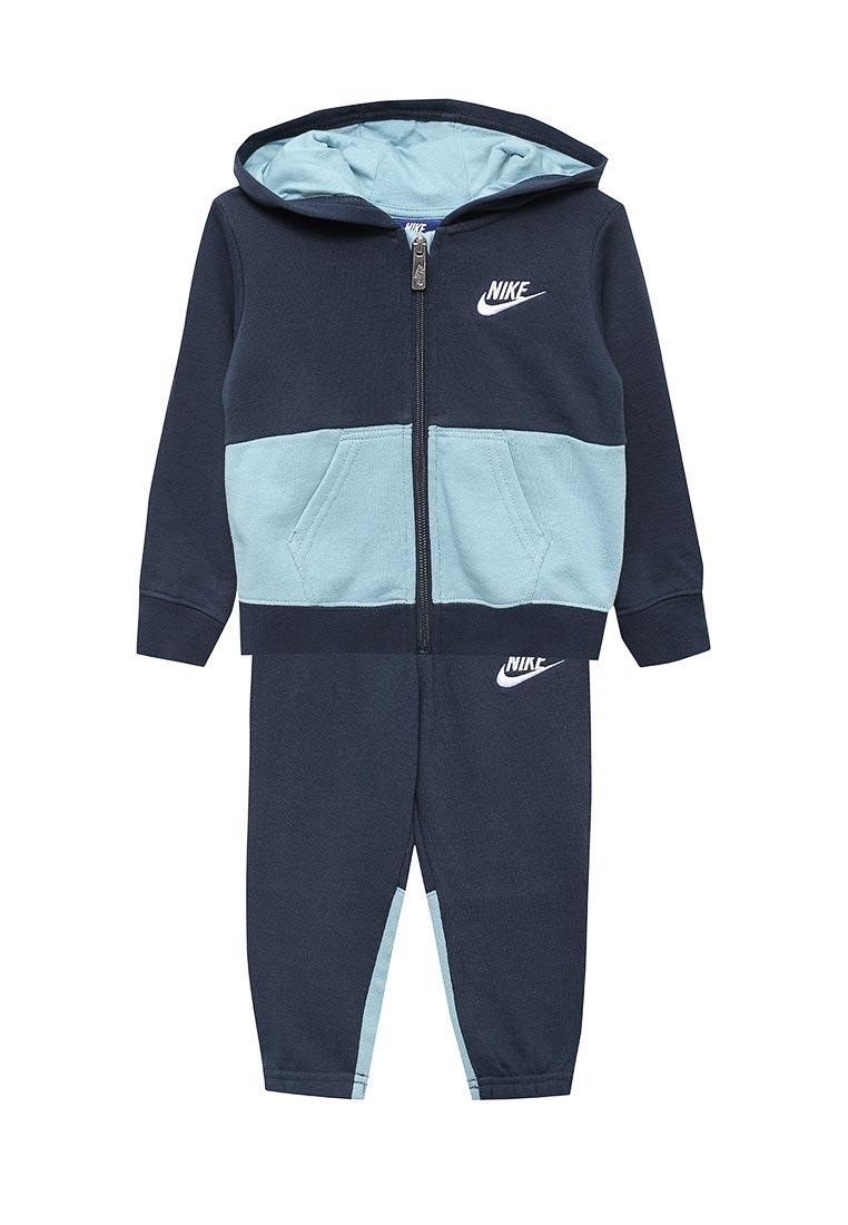 Спортивный костюм Nike (Найк) 76C001-B1B