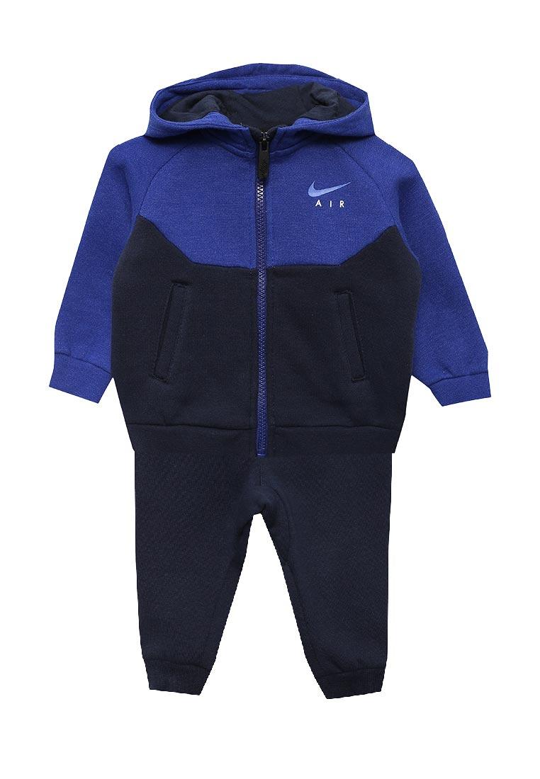 Спортивный костюм Nike (Найк) 76C002-695