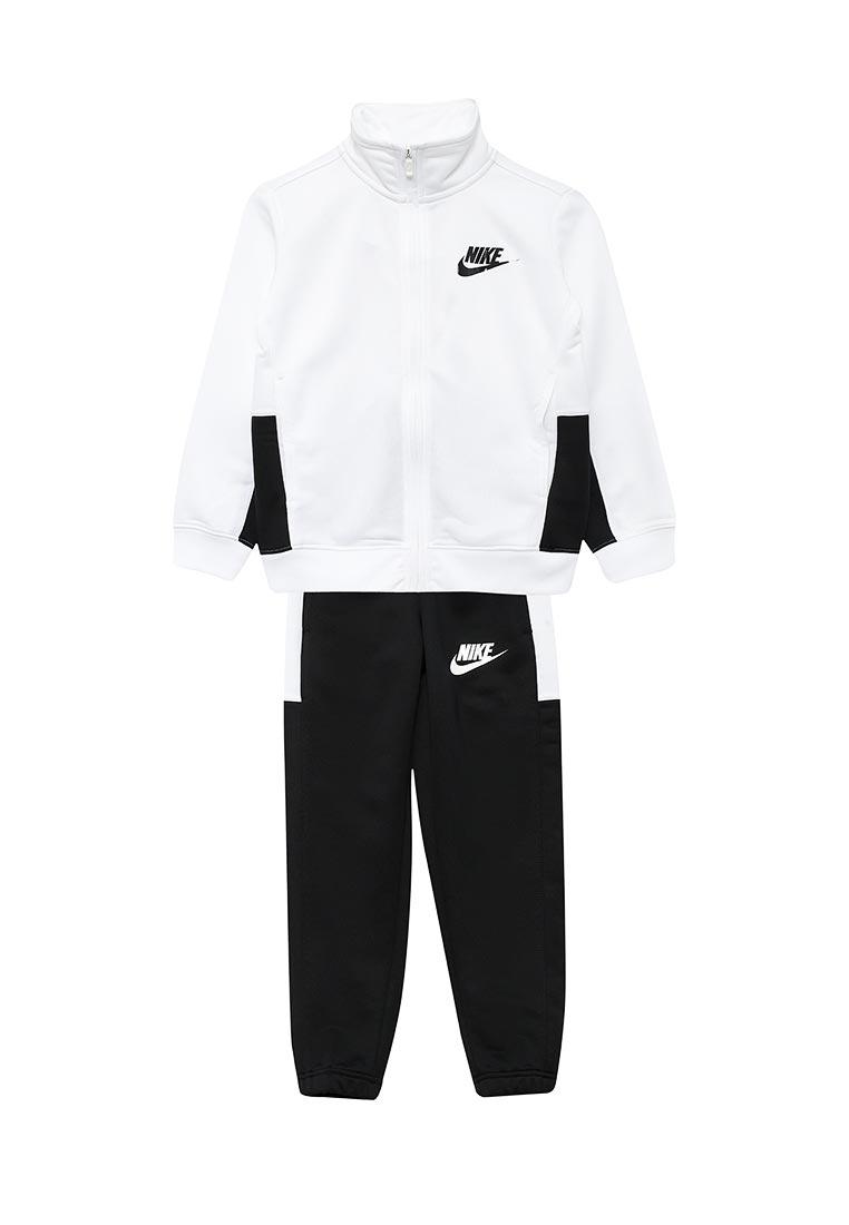 Спортивный костюм Nike (Найк) 856206-100