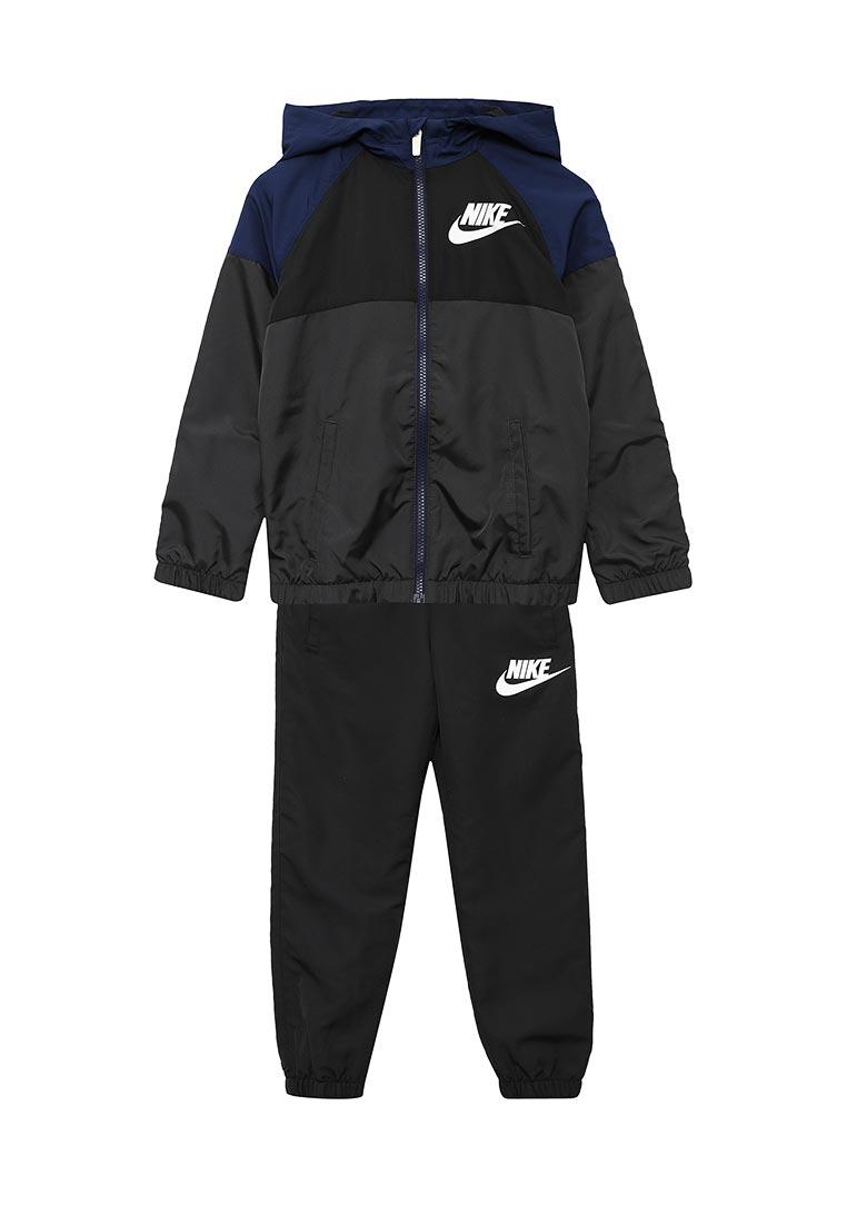 Спортивный костюм Nike (Найк) 856209-060