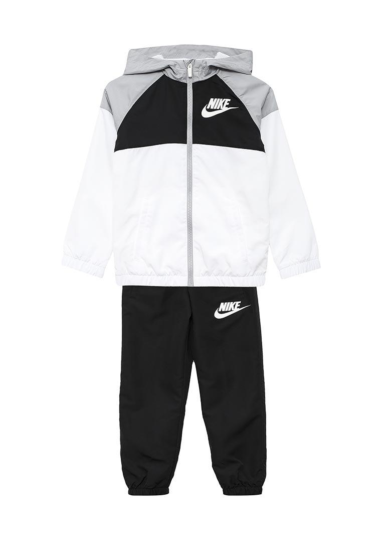 Спортивный костюм Nike (Найк) 856209-100