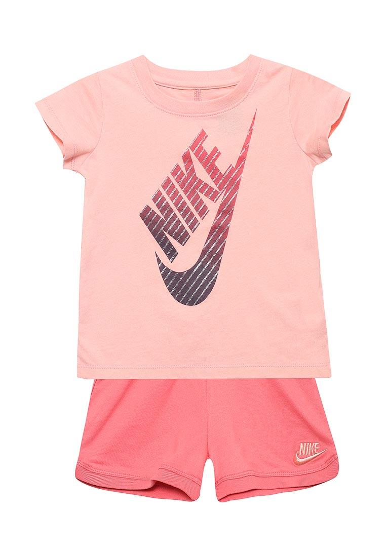 Спортивный костюм Nike (Найк) 36C870-A6C