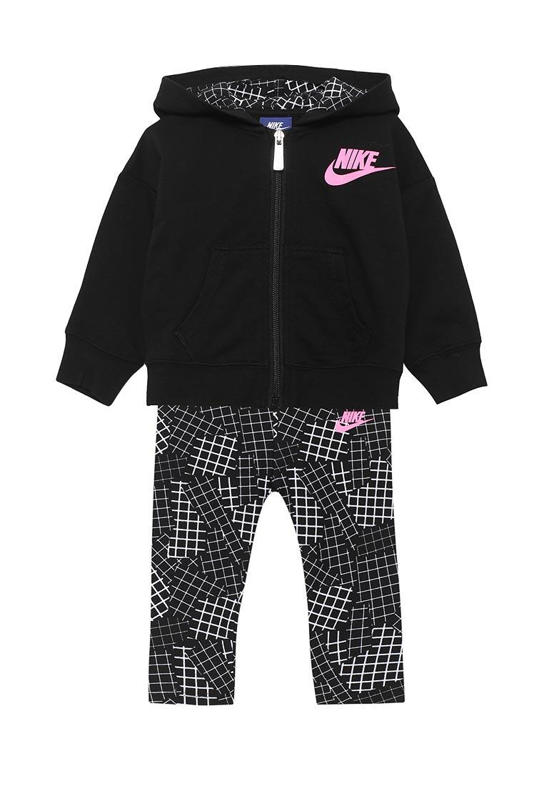 Спортивный костюм Nike (Найк) 16B923-023