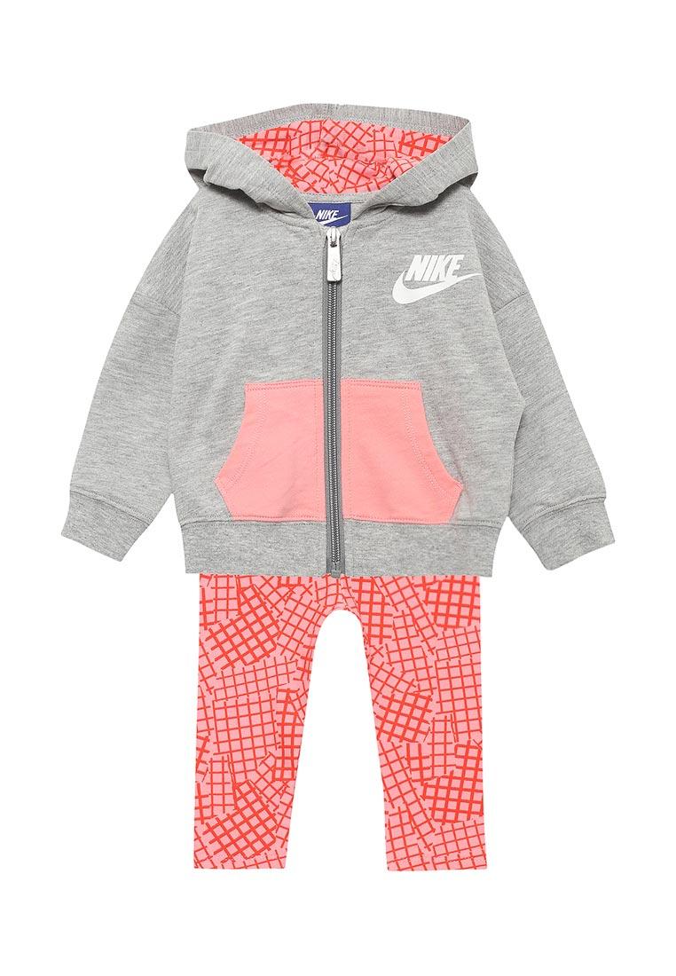 Спортивный костюм Nike (Найк) 16B923-A4E