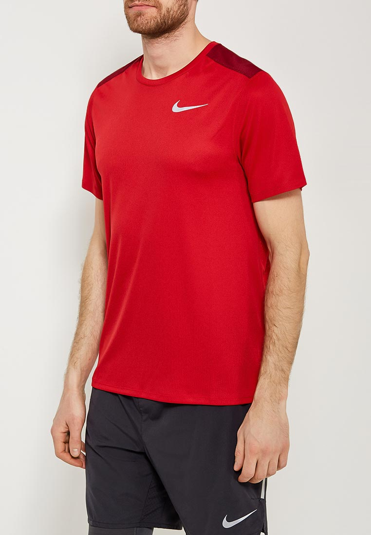 Спортивная футболка Nike (Найк) 904634-687