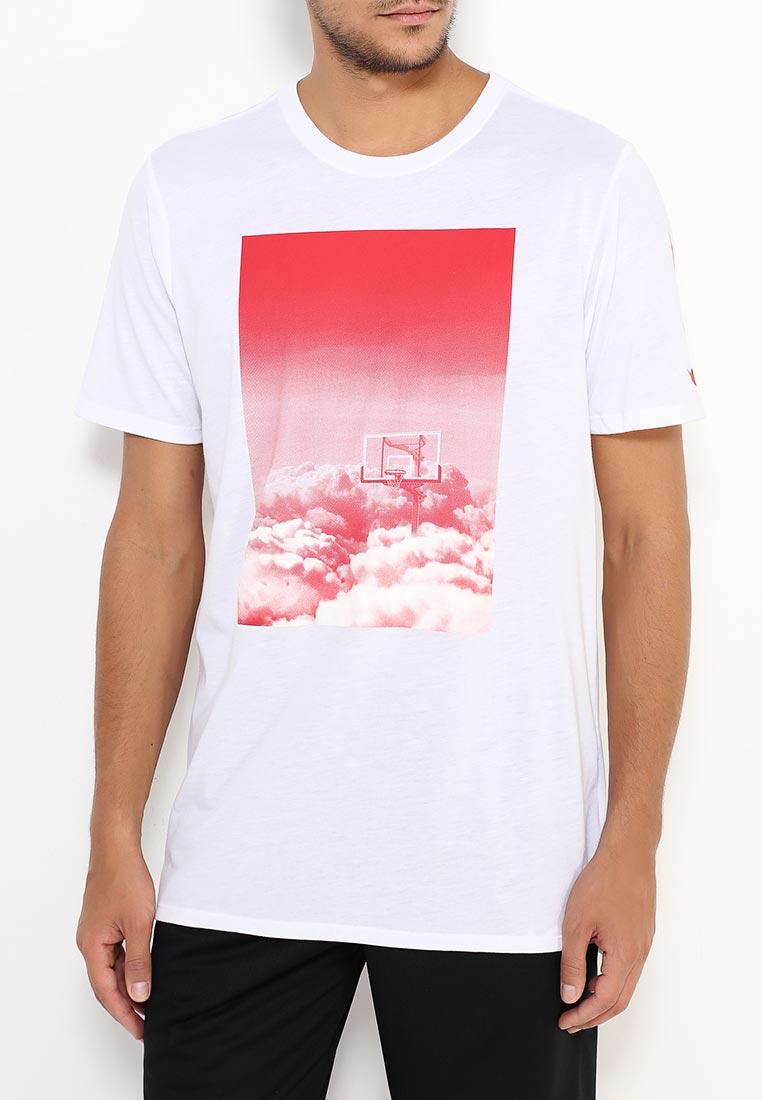Спортивная футболка Nike (Найк) 844504-100