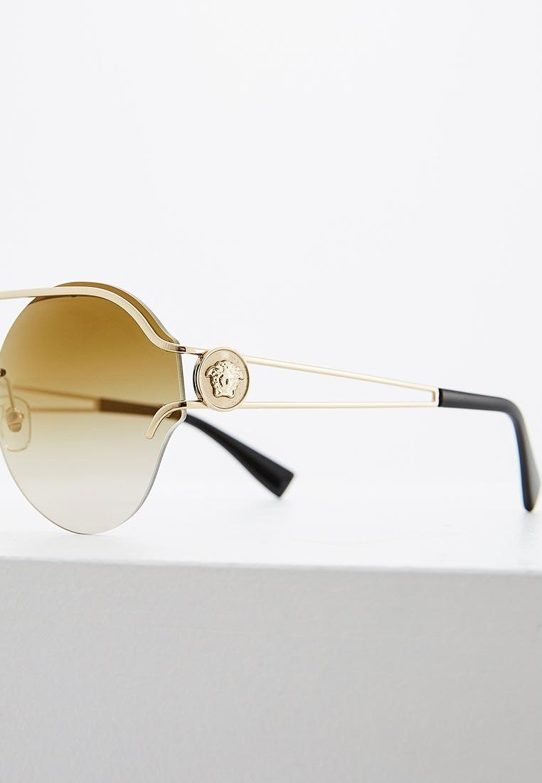 Женские солнцезащитные очки Versace 0VE2184: изображение 6