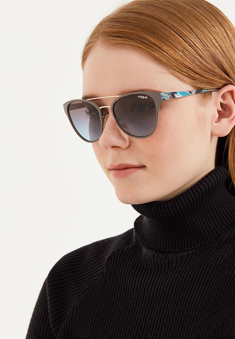 Женские солнцезащитные очки Vogue® Eyewear 0VO4078S: изображение 9